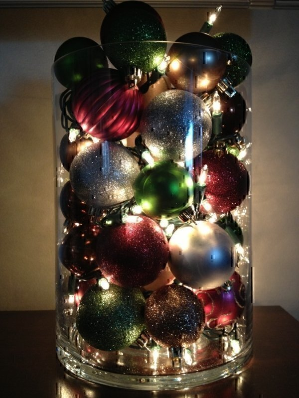 1 brilliantly simple vase - Christmas Decorating On A Dime