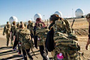 Female_U.S._Marine_Corps_poolees_endure_DEP_workout_150128-M-XX001-001